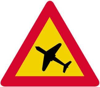 Κίνδυνος λόγω χαμηλής πτήσεως προσγειούμενων ή απογειούμενων αεροσκαφών.